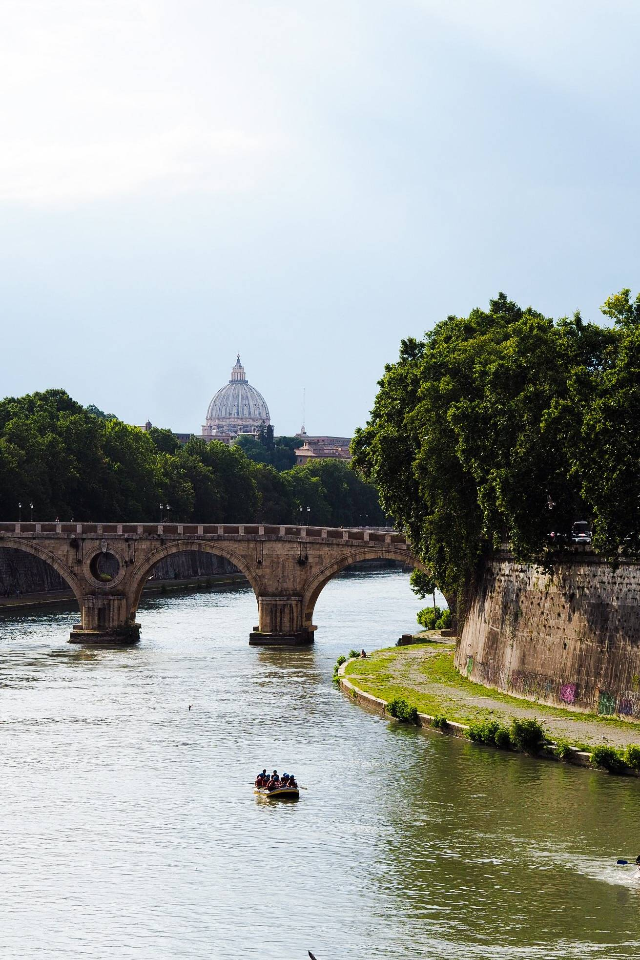 Rome_city_guide_river_view