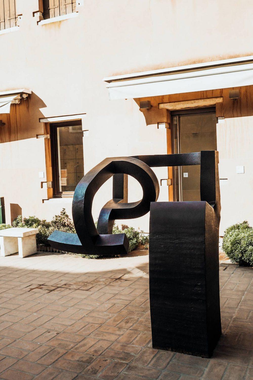 Peggy Guggenheim Gallery, Marble Sculpture