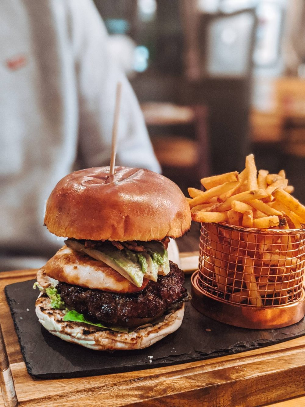 Burger at The Wheatsheaf, Bow Brickhill - Eat Out to Help out in Milton Keynes.